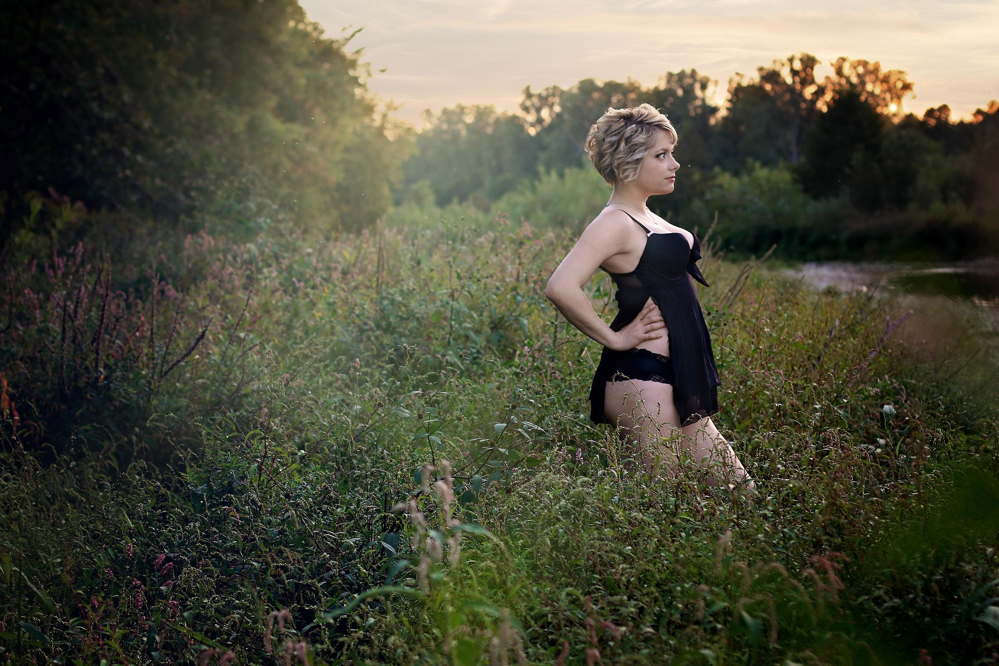 Outdoor boudoir, Boudoir, Brantford boudoir, Best Boudoir, Stella Ella Ola Photography, Boudoir photography, Brantford, Ontario, Canada